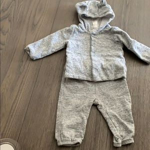 GAP Baby Boy matching set size 6-12 months